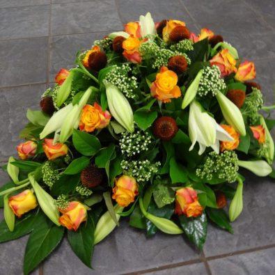 Duoplant - Druppelvormig rouwstuk met lelies en rozen