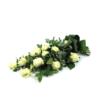 Rouwboeket met witte rozen en eucalyptus