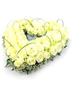 Duoplant - open hart rouwstuk met witte rozen